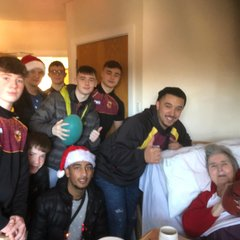 LG16s Christmas Care Home Visit