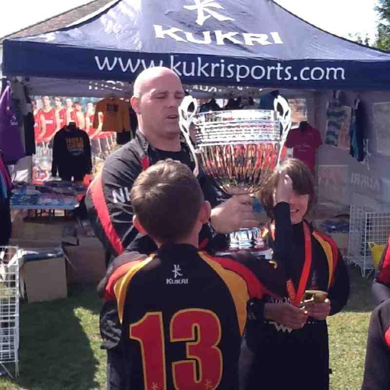 Under 11's celebrate with the Cup!