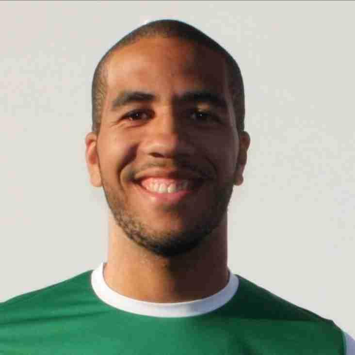 Midfielder Gabbidon Joins From Banbury