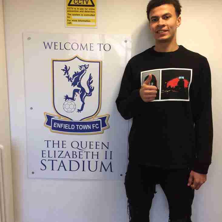 Spurs Star Dele Alli Visits The Queen Elizabeth Stadium