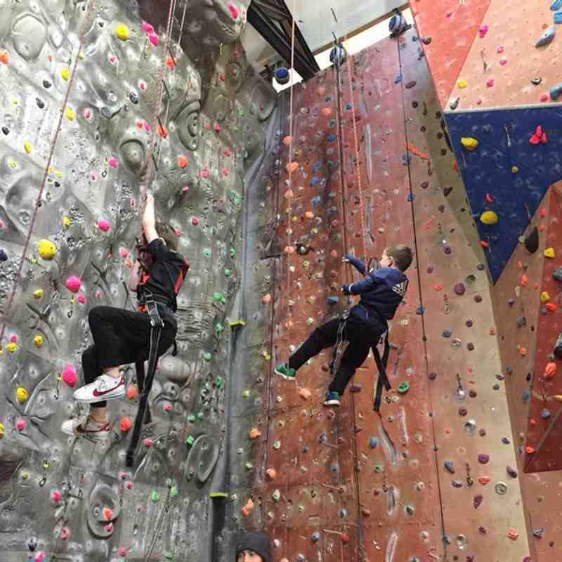 2018 U8 Reds - Climbing