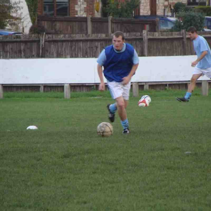 Saturday 30th October 2010 - Farnham Town v Warlingham (Combined Counties Division One)