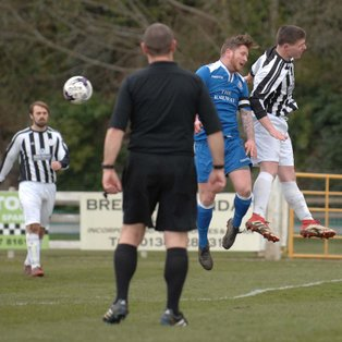 Magpies hold League hopefuls