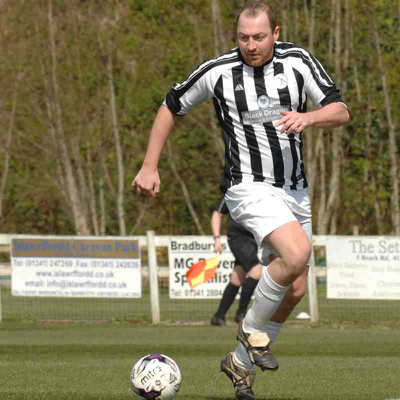 Hero Holls is back, BDFC 0 - Bodedern 2, pics by Rod Davies Photography