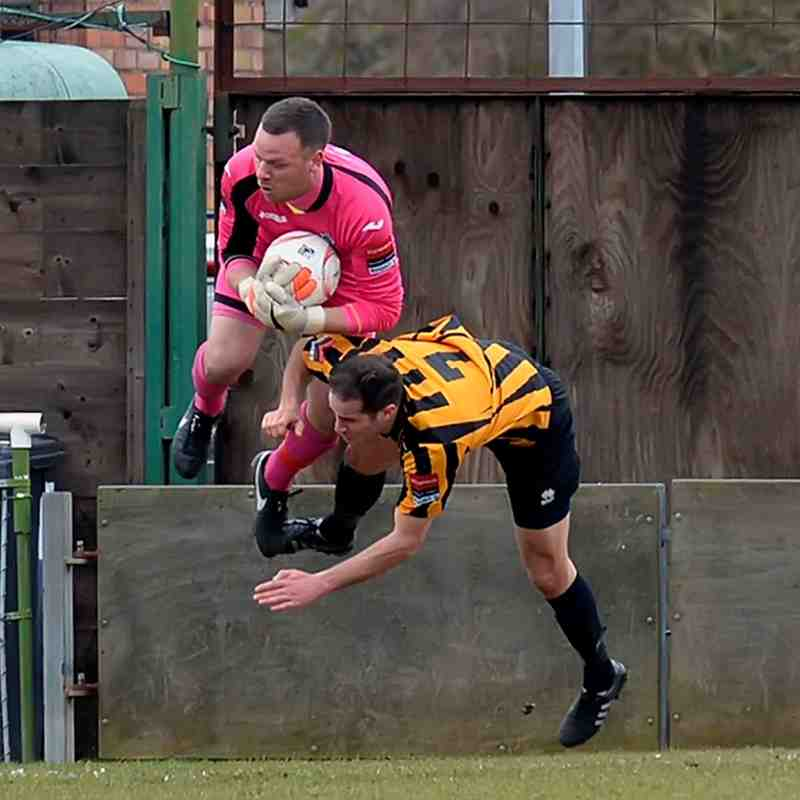 Rovers 0  Cheshunt 0 - Ryman Division 1 North. 19th March 2016. (For full set of photos visit https://www.flickr.com/photos/gwroversfc/albums/72157665610221470)