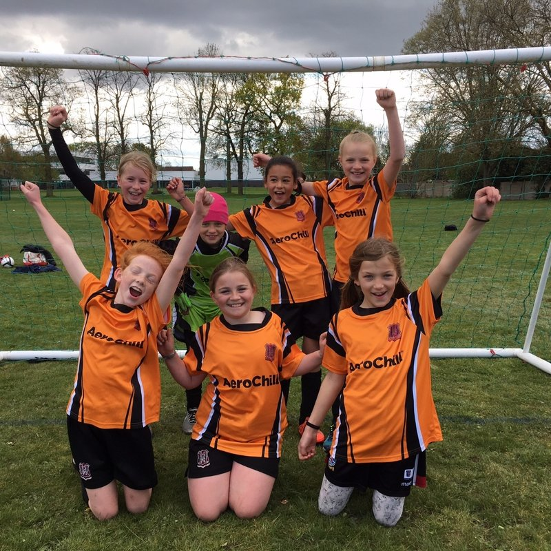 Hearts Girls Year 3 to 7 looking for new players