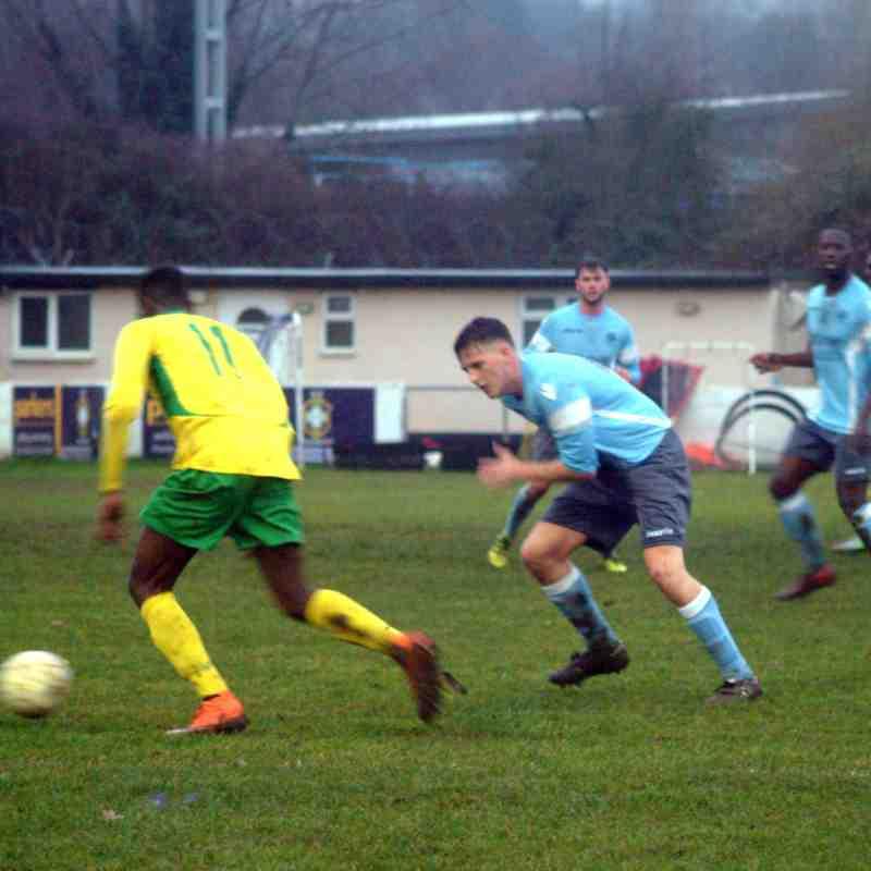 Woodley Utd v Rayners Lane