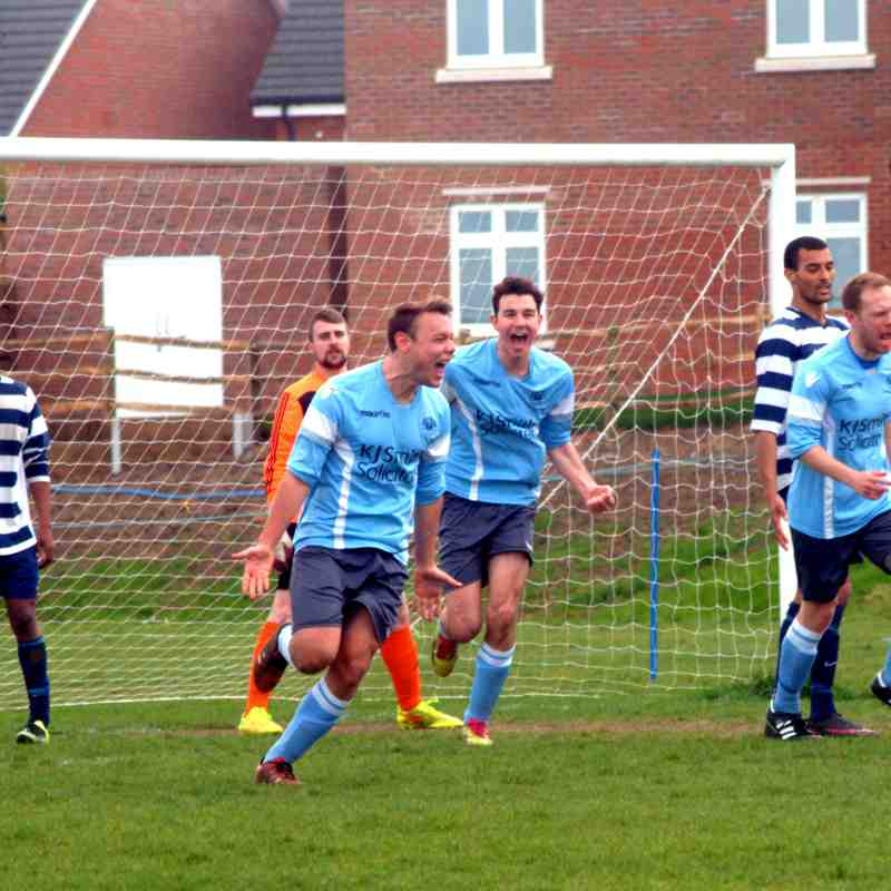 Woodley Utd Res v Marlow (cup)