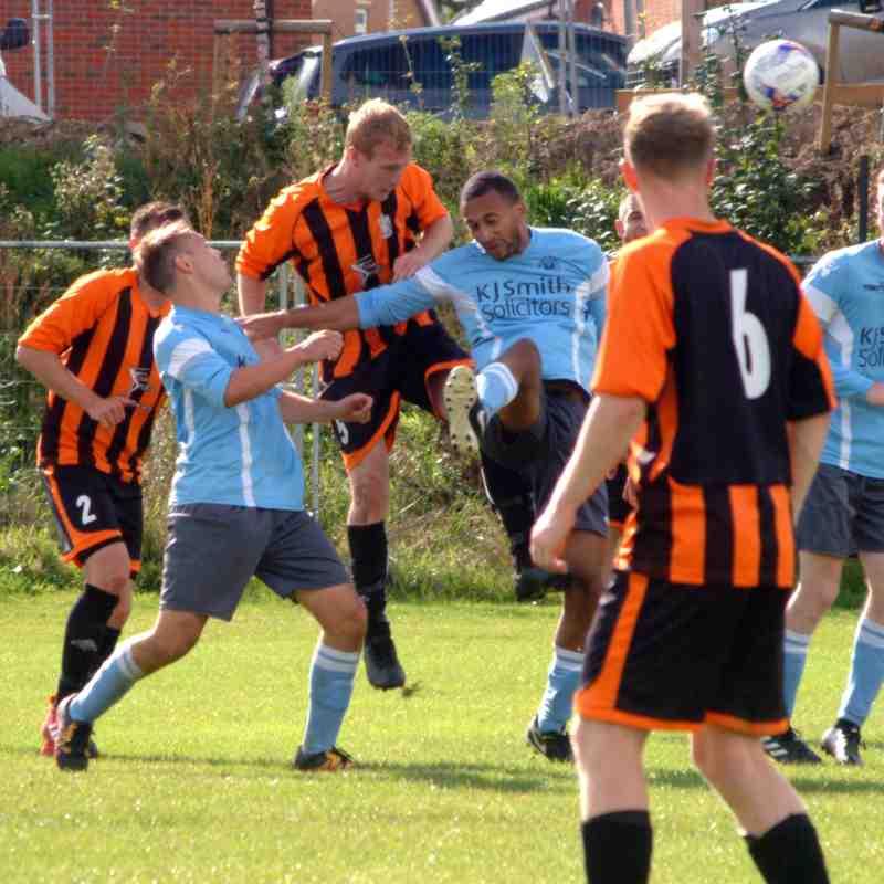 Woodley Utd Royals v Newbury