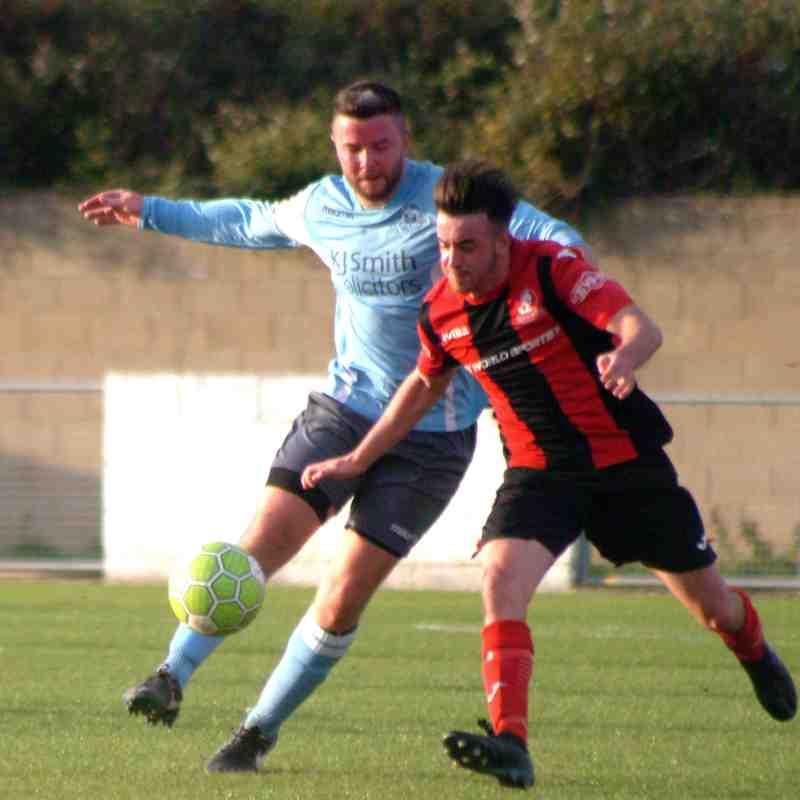 Woodley Utd v Cirencester