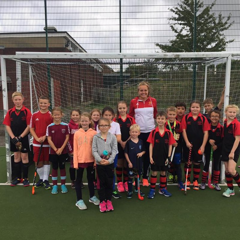 Havering youngsters meet England and GB's Emily Defroand