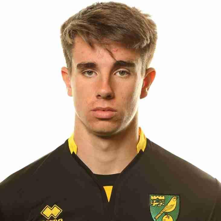 Hallett signs in on loan deal