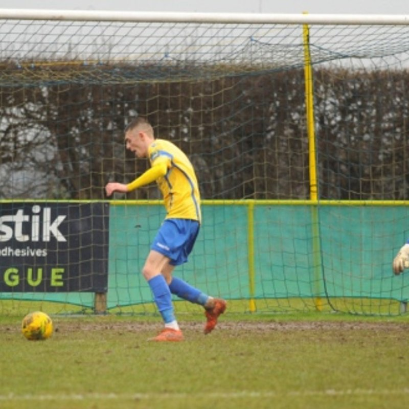 Late penalty sees points shared in six goal thriller