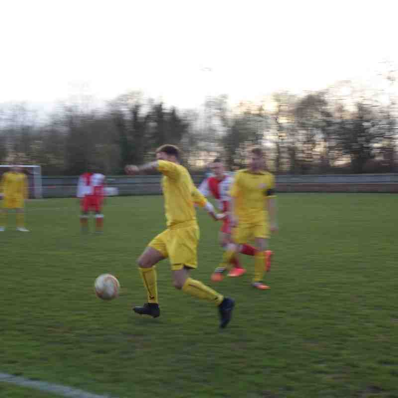 Beaconsfield SYCOB v Potters Bar Town