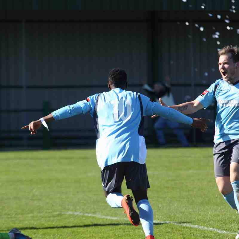 East Thurrock United 1 Enfield Town 1 (18.04.2015)