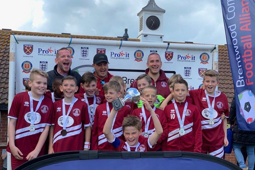 U11 Clarets win BCFAYL Divisional Cup