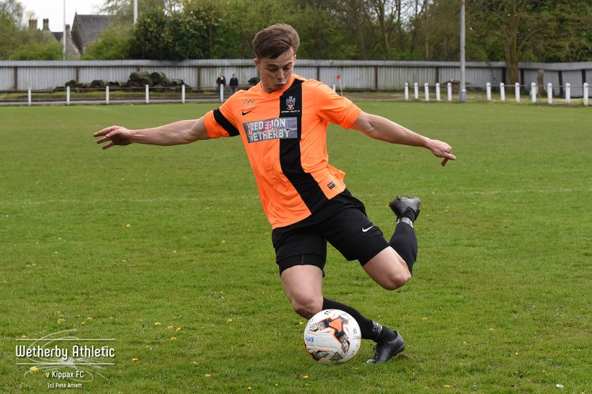"""PLAYER NEWS: """"Massive Asset"""" Agrees To Stay At Wetherby"""
