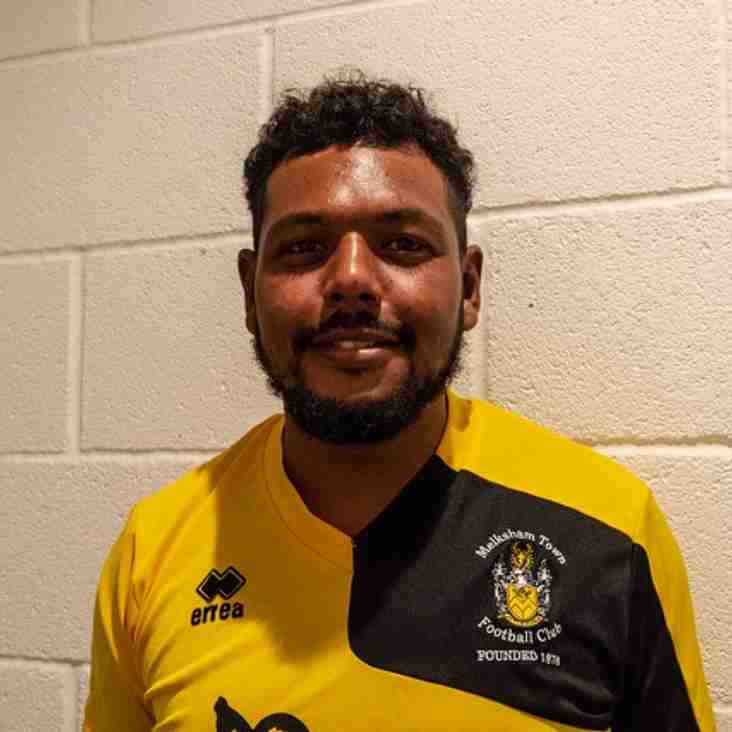 Neikell Plummer SIGNS FOR MTFC