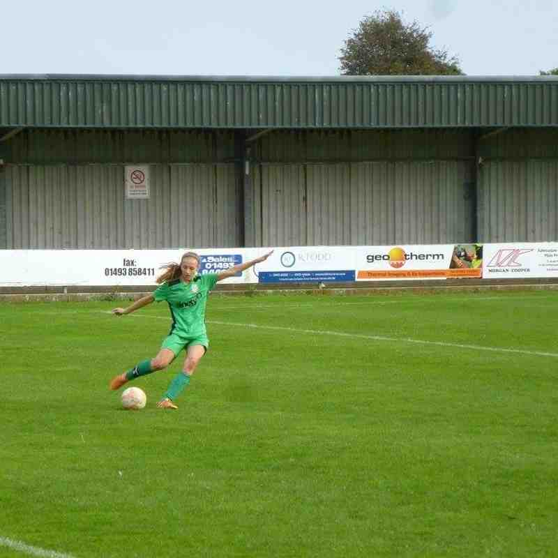 Gorleston Ladies v Harleston Town Ladies - Sun 16 Oct 2016