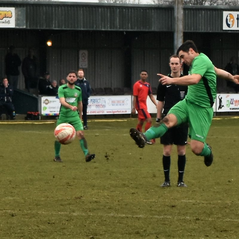 Gilfy at the Double as Greens Run Continues