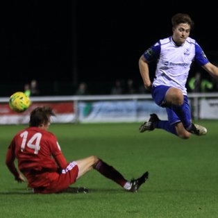 Worthing accelerate away from 10-man Town