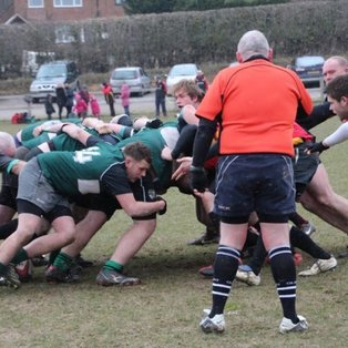 Heathfield 3rds edge close game to stay second.