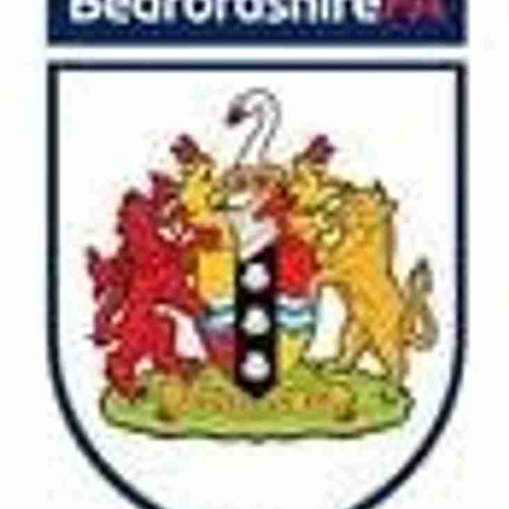 "Beds FA award Leighton United with ""Community Club"" for season 2014/15"