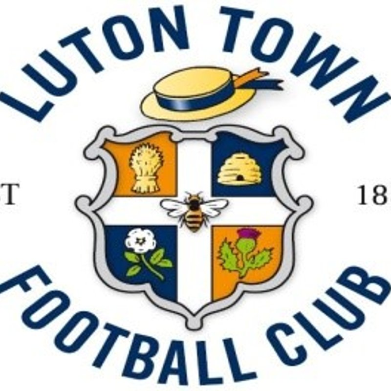 Luton Town FC  Summer Soccer Camps at Leighton United FC