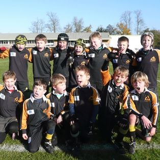 The U10 B's win their group at the Guildford Festival, coming second overall after losing to a strong Rosyln Park side