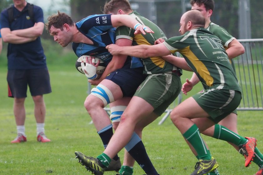 Manor ease to end of season victory against a game Saffron Walden