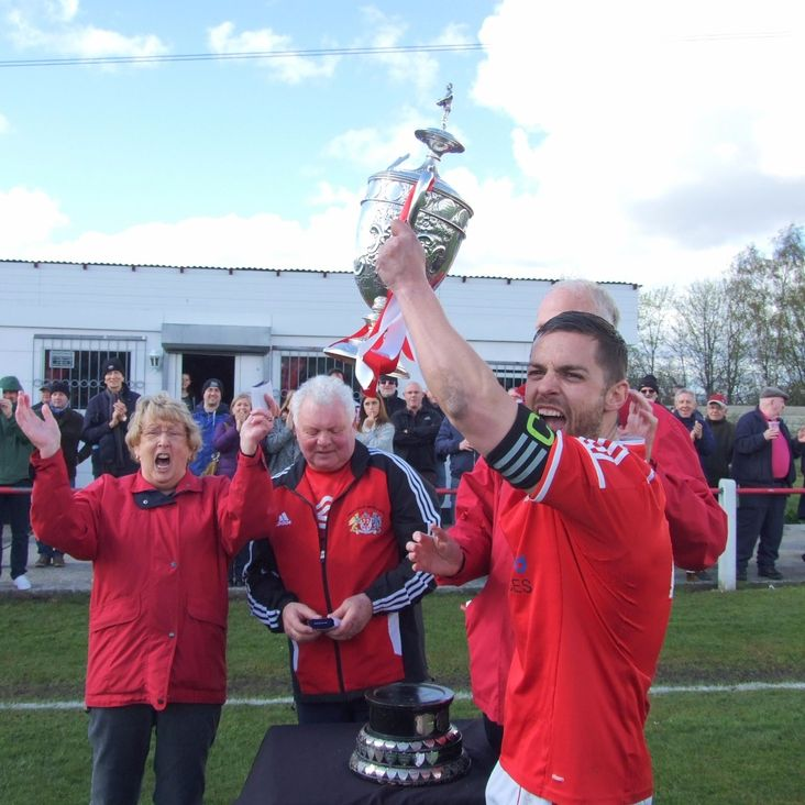 Heys celebrate the title with AVRO win<