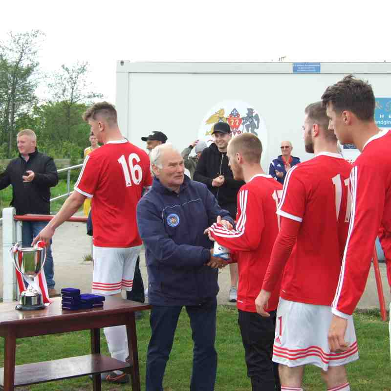 CHAMPIONS GALLERY - Reserves defeat Atherton Town as they are crowned Champions