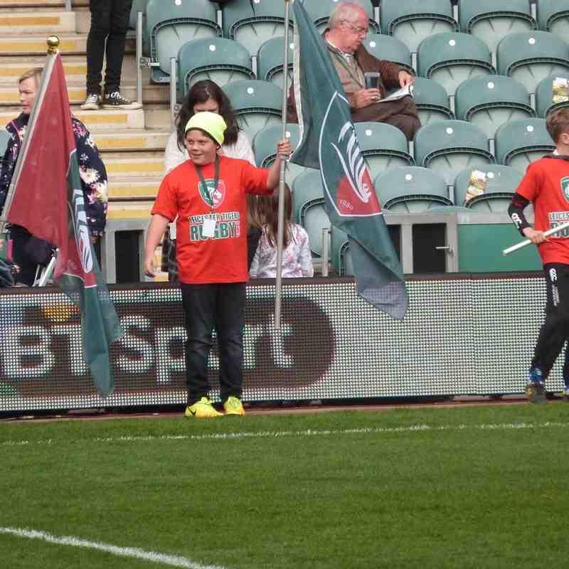U11 flag bearers