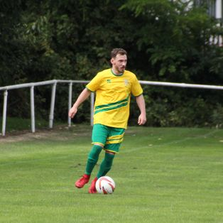 Emley lose out Glasshoughton