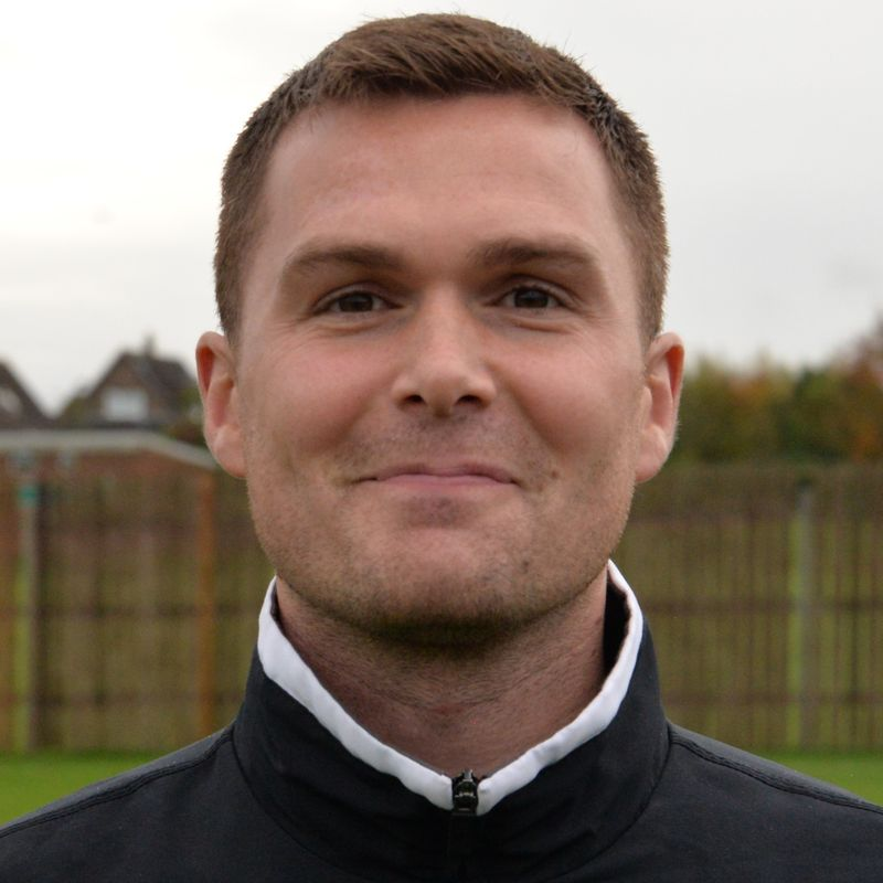 Emley appoint Howson