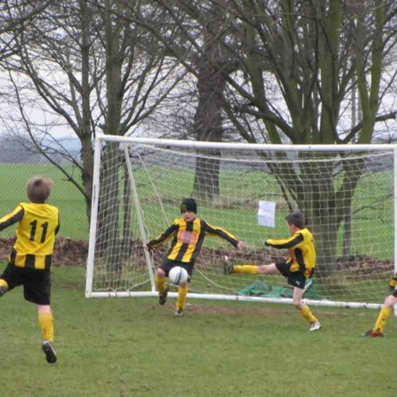 U9 Knebworth Youth Tigers Yellows v St Neots Town