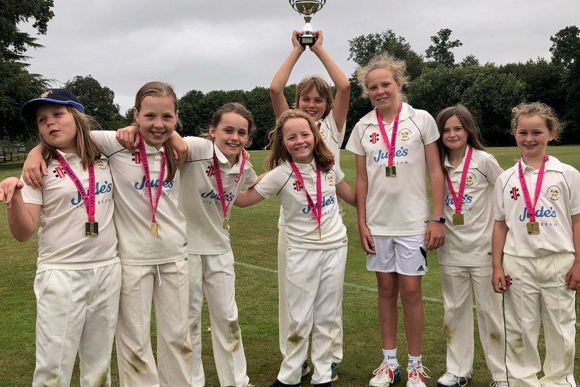 EMWCC U11 girls win  The Lady Tavern's Competition!!!
