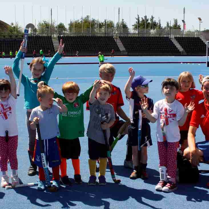 JUNIORS LIVING THE HOCKEY DREAM AT LEE VALLEY STADIUM