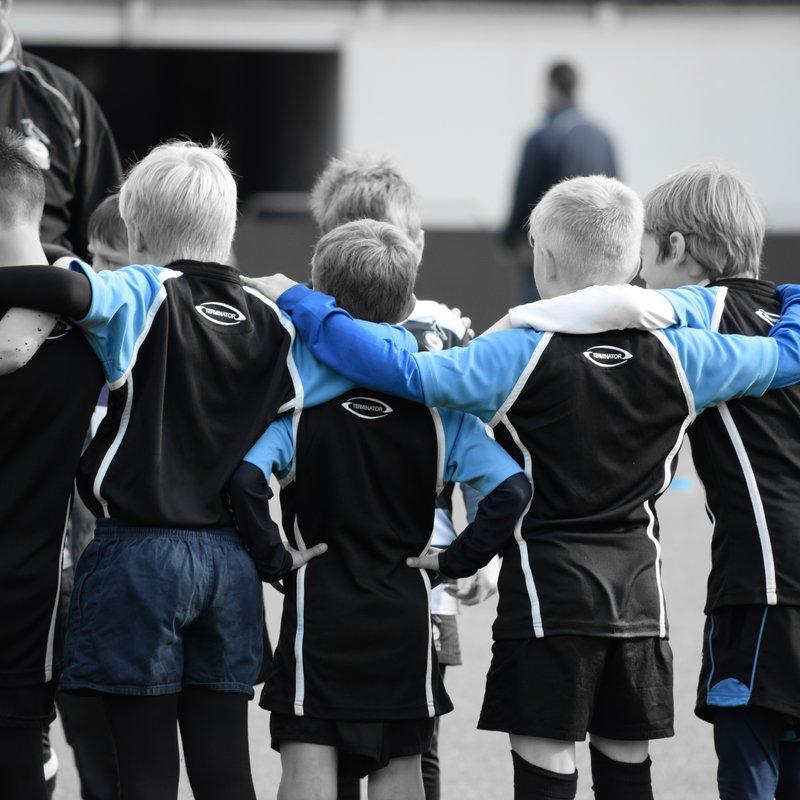 Minis & Juniors attack the Oakman Cup