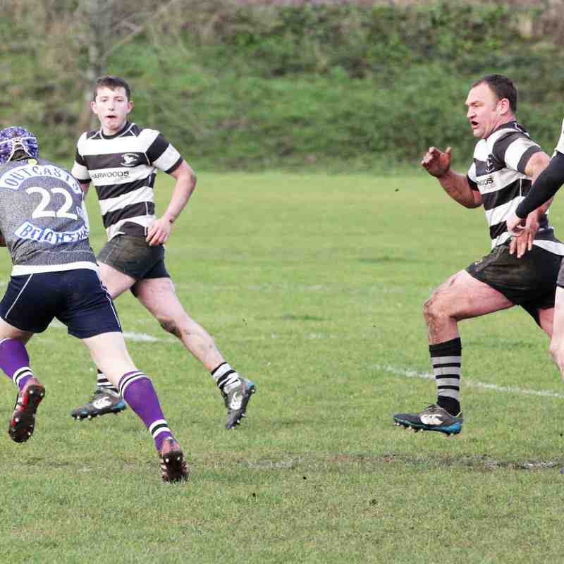 OUTCASTS V PULBOROUGH