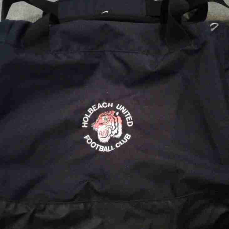 NEW HOLBEACH UNITED KIT BAGS