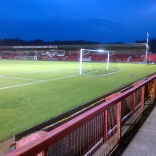Witton's losing streak ends at Reds expense