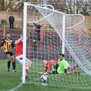 Reds vanquish the Pics with stunning late goals