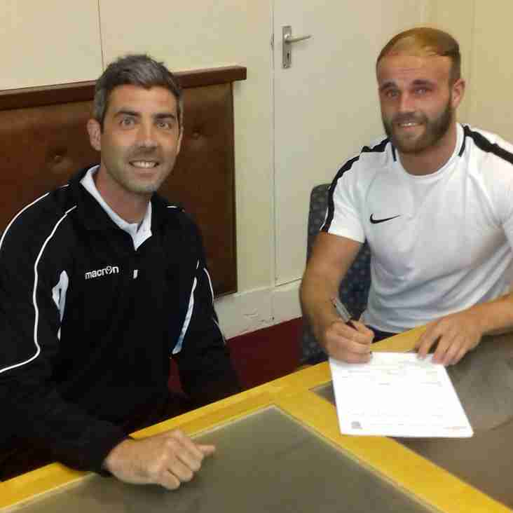 Cowps begins second spell with Reds