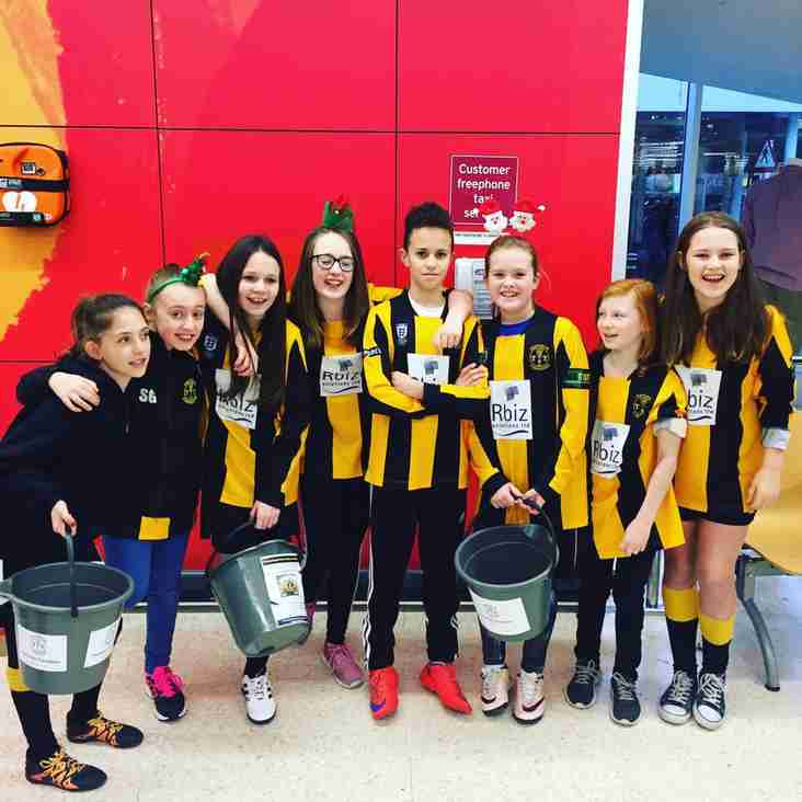 Tornadoes Girls teams spend the day bag packing at Sainsburys