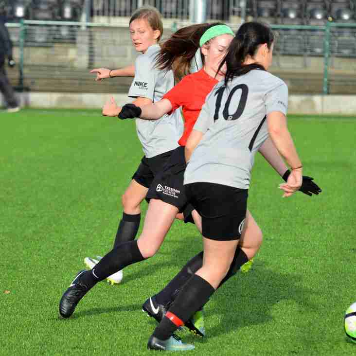 Eastwood CFC Ladies U19 6-1 Tresham College Ladies
