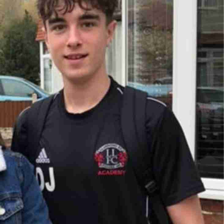 Academy Player Owen Jones Takes Part In Charity Run For Mum