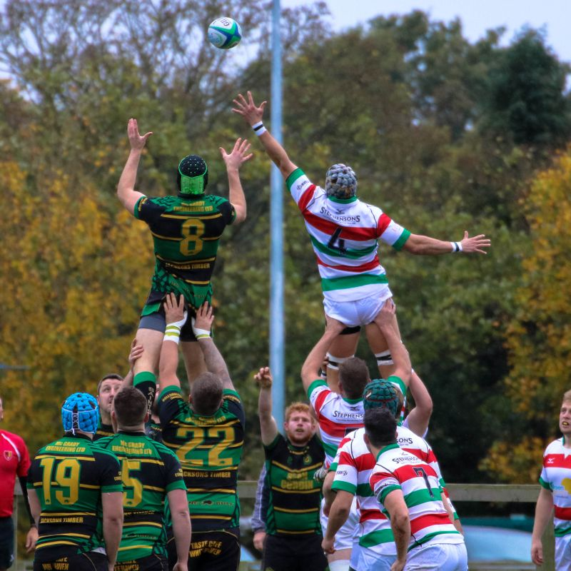 Seven tries and a clean sheet for 43-0 put Stockport second in table