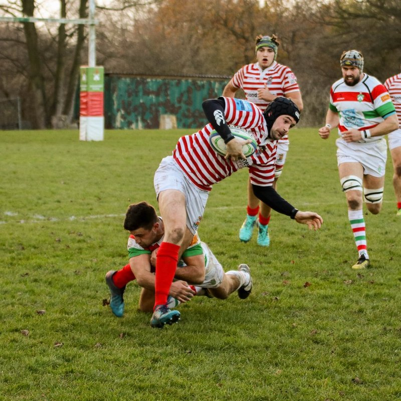 Stockport win 11 try local derby  against Manchester