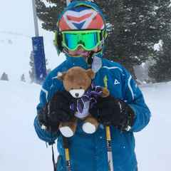 The Clifton Minis tour bear goes skiing with the Vaughans